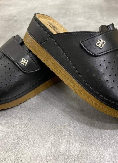 HOLLOW CLOGS WITH VELCRO BAND - BLACK