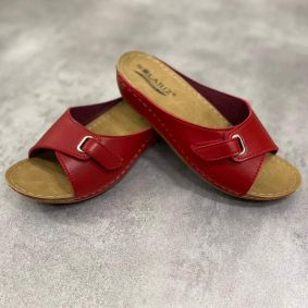 ANATOMICAL SLIPPERS WITH HIGHER SOLE AND VELCRO BAND -  RED