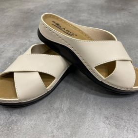 ANATOMICAL CROSS STRAP SLIPPERS  - BEIGE