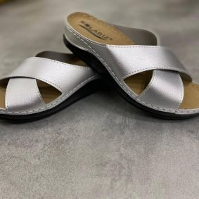 ANATOMICAL CROSS STRAP SLIPPERS - SILVER