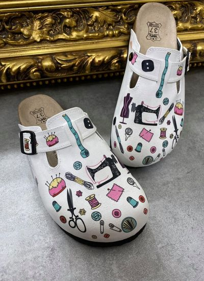TAILOR LEATHER CLOGS WITH  BELTS - WHITE