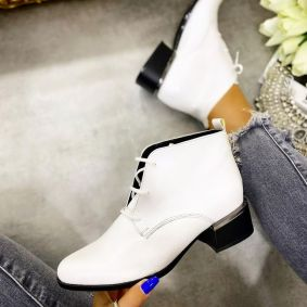 HIGH ANKLE LACE UP SHOES WITH LOW BLOCK HEEL - WHITE