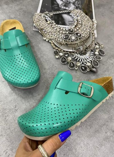 LEATHER ANATOMIC CLOGS WITH VELCRO BAND - GREEN
