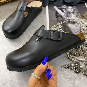 LEATHER CLOGS WITH BELT - BLACK