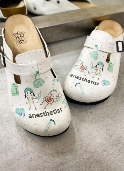 ANESTHETIST LEATHER CLOGS WITH BELT - WHITE