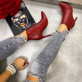 STRIPED SPIKE ANKLE BOOTS WITH THIN HEEL - RED/BLACK