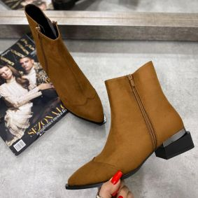 VELOUR ANKLE BOOTS WITH ZIPPER - CAMEL