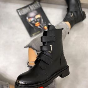 ANKLE BOOTS WITH VELCRO BAND - BLACK
