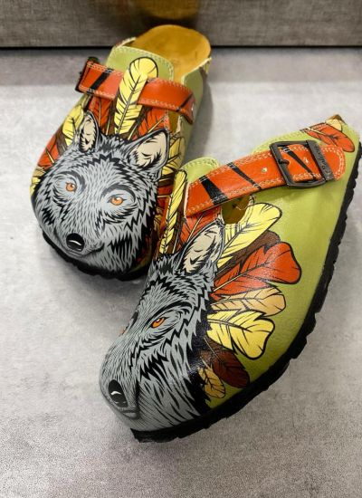 WOLF LEATHER CLOGS WITH BELT - GREEN