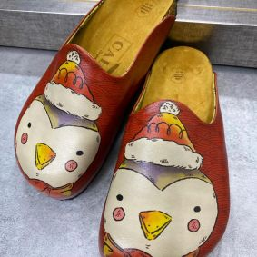 LEATHER CLOGS WITH PINGUIN - RED