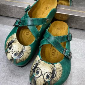ELEPHANT LEATHER CLOGS WITH BELTA - GREEN