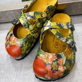 COLORFUL FLOWER LEATHER CLOGS