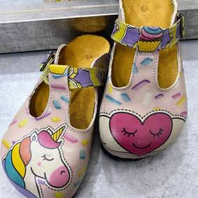 UNICORN LEATHER CLOGS WITH BELTS - ROSE