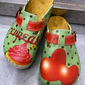 CUPCAKE LEATHER CLOGS WITH BELTS - GREEN