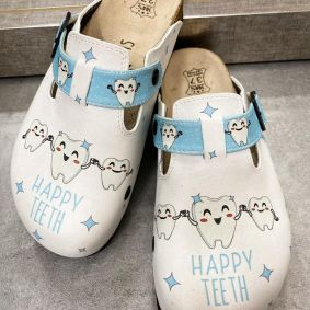 LEATHER CLOGS FOR DENTIST WITH BELTS - WHITE