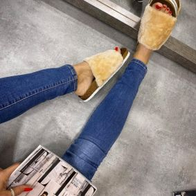ANATOMIC FLUFFY SLIPPERS - BEIGE