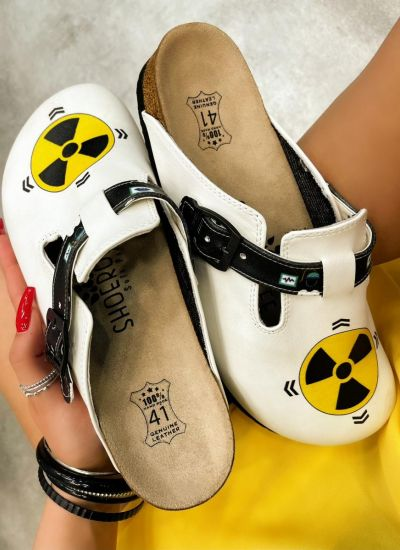 RADIOLOGIST LEATHER CLOGS WITH BELT - WHITE