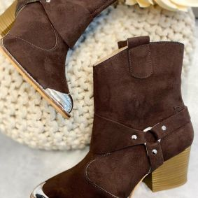 VELOUR POINTED COWGIRL BOOTS WITH THICK HEEL AND RIVETS  - BROWN