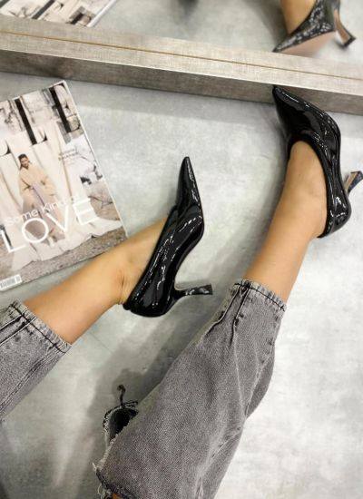 PATENT POINTED STILLETO SHOES WITH THIN HEEL - BLACK