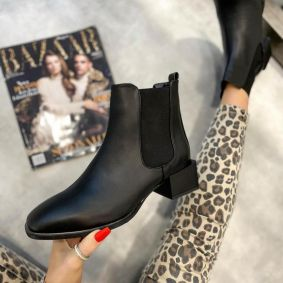 ANKLE BOOTS WITH RUBBER AND LOW BLOCK HEEL - BLACK
