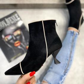 VELOUR POINTED ANKLE BOOTS WITH THIN HEEL - BLACK