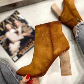 VELOUR ANKLE BOOTS WITH ZIPPER AND BLOCK HEEL - CAMEL