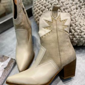 POINTED COWGIRL ANKLE BOOTS WITH RIVETS - BEIGE