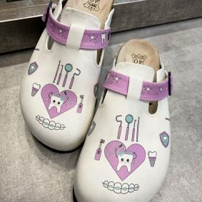 DENTIST LEATHER CLOGS - WHITE