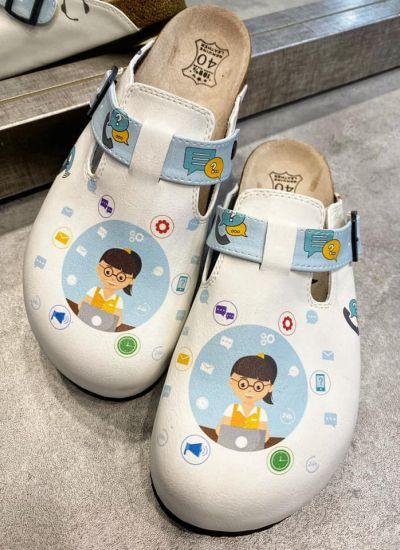 IT LEATHER CLOGS WITH BELTS - WHITE
