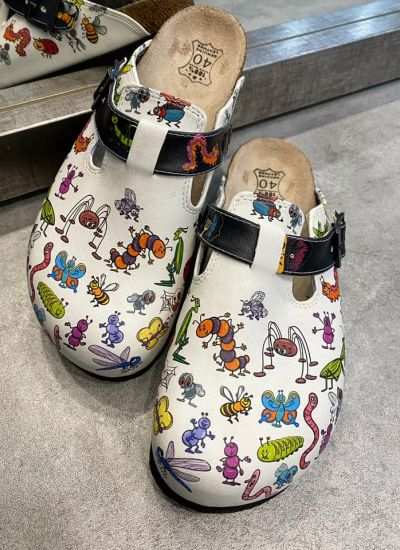 LEATHER CLOGS WITH BELT - WHITE