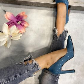 PATENT POINTED STILLETO SHOES WITH THIN HEEL - BLUE