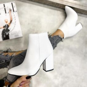 POINTED ANKLE BOOTS WITH BLOCK HEEL - WHITE
