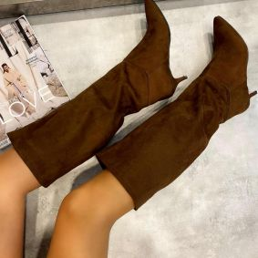 VELOUR POINTED HIGH BOOTS WITH THIN HEEL - BROWN