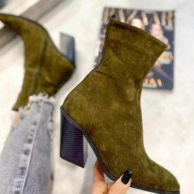 VELOUR ANKLE BOOTS WITH BLOCK HEEL - OLIVE
