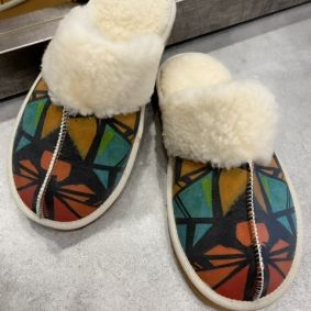 COLORFUL FLUFFY SLIPPERS