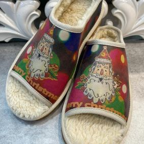 SLIPPERS WITH FUR AND SANTA CLAUS - RED