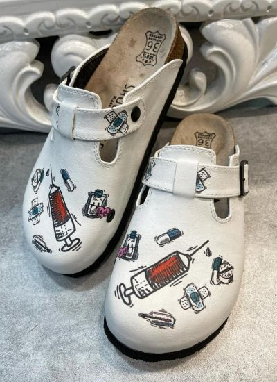 LEATHER CLOGS WITH MEDICAL PRINT AND BELT - WHITE