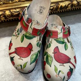 RED BIRD LEATHER CLOGS WITH BELT - BEIGE