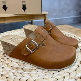 ANATOMIC LEATHER CLOGS WITH BELT AND HIGH SOLE  VESNA - CAMEL
