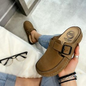 LEATHER CLOGS WITH BELT - BROWN