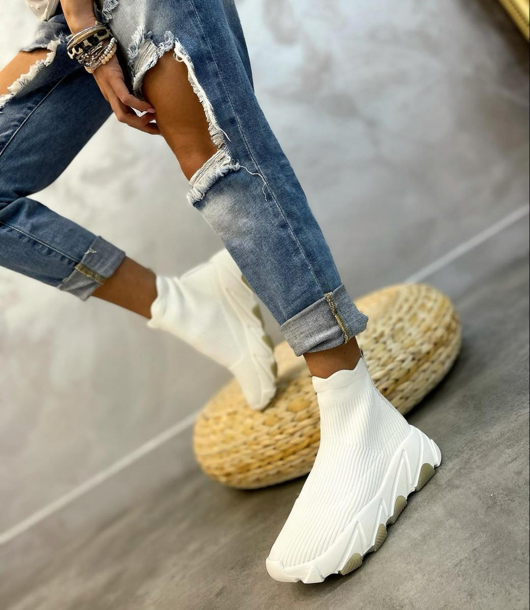 STRETCH PULL ON SNEAKERS - WHITE