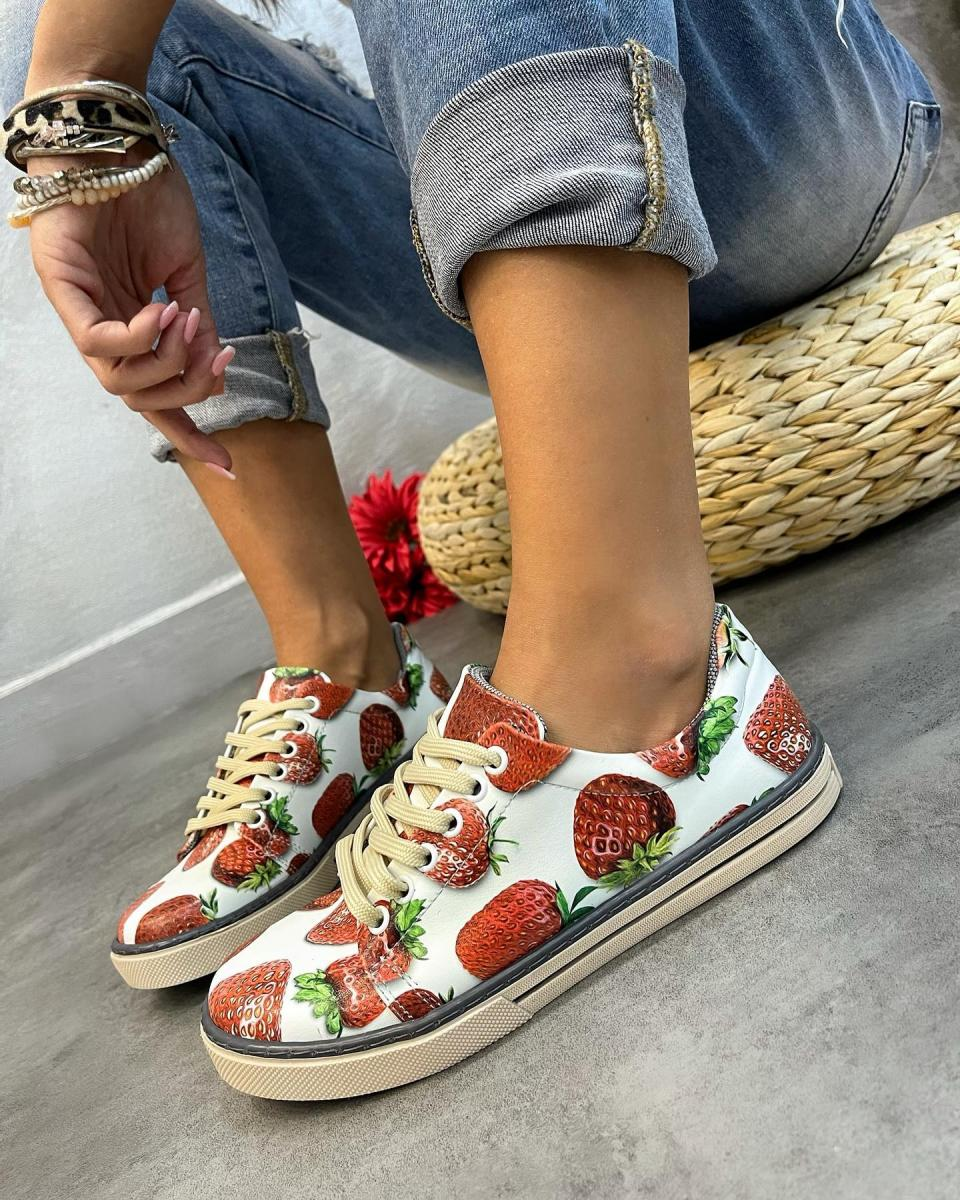 STRAWBERRY LACE UP SNEAKERS - WHITE
