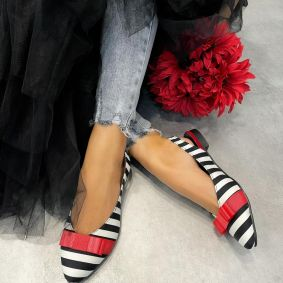 STRIPED FLATS WITH BOW - BLACK/WHITE