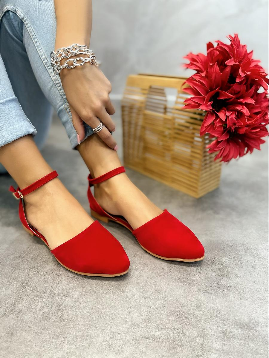 VELOUR OPEN FLATS WITH BELT - RED