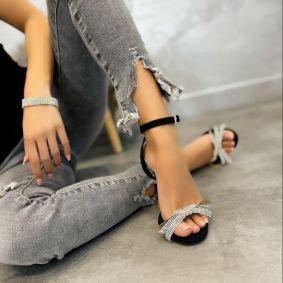 THIN HEEL VELOUR SANDALS WITH BOW - BLACK