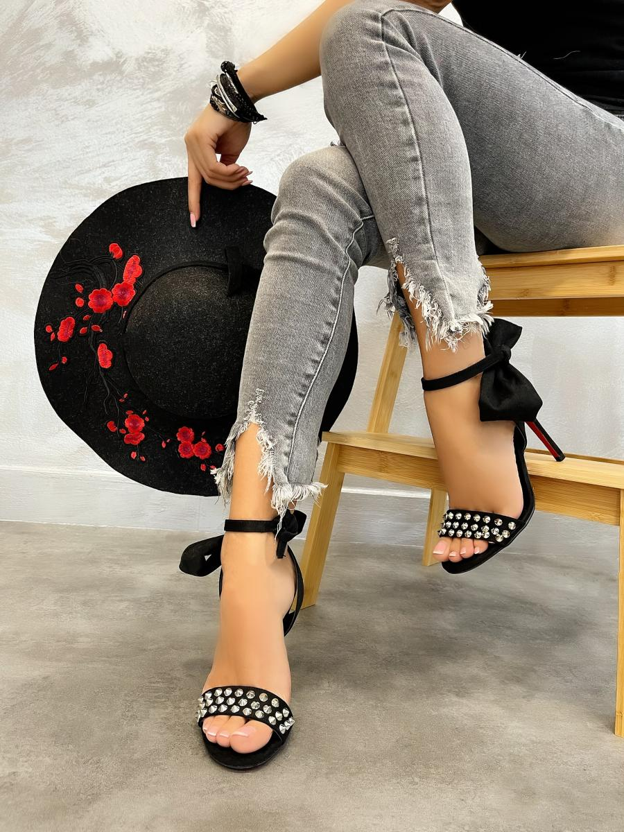 THIN HEEL VELOUR SANDALS WITH BOW AND RIVETS - BLACK