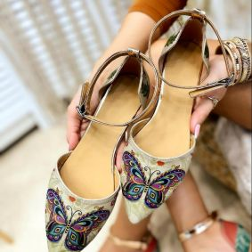 BUTTERFLY POINTED FLATS - BEIGE