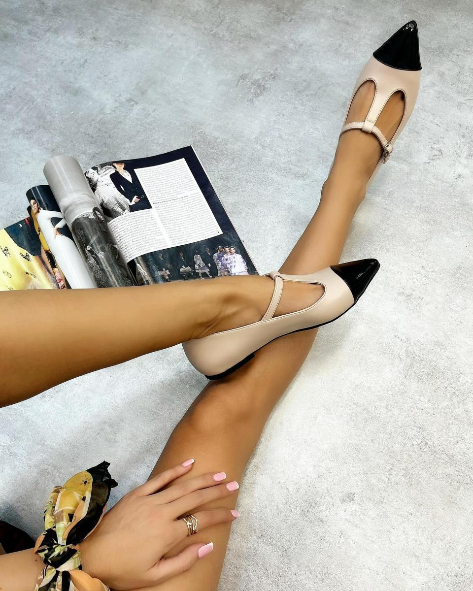 POINTED FLATS WITH BELT - BEIGE