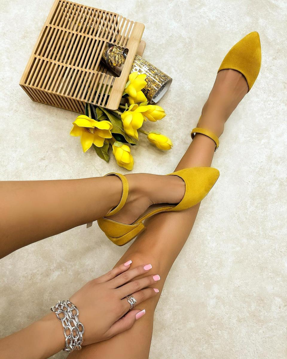 POINTED SANDALS WITH LOW BLOCK HEEL - YELLOW