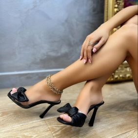 MULES WITH THIN HEEL AND BOW - BLACK
